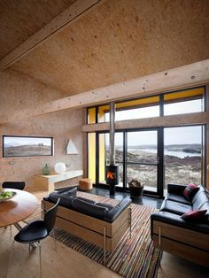 The Hen House on the Isle of Skye, a low-impact contemporary cottage with one… Small House Design, Home Design, Home Interior Design, Interior Architecture, Interior And Exterior, Interior Cladding, Contemporary Cottage, Vacation Home Rentals, Prefab