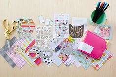 @Sevenpaper: Baxter Collection for your furry little friend. Scrapbook just for your cat or dog? You've got to be kitten me.