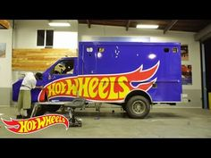 The Making of Ronnie Renner's Ambulance: The Loose Caboose | Hot Wheels Garage | Hot Wheels - YouTube