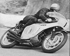 Mike Hailwood, 1967 on Honda 297cc six cylinder