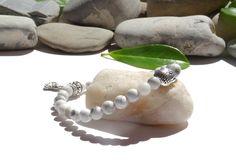 Bracelet en pierres naturelles de howlite-bijoux lithothérapie-bijou zen bouddha-argent tibétain-argent plaqué : Bracelet par lapassiondisabelle                                                                                                                                                     Plus