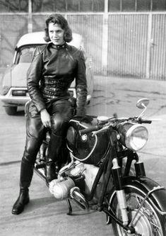 ...como las amapolas: Anke Eve Goldman, La chica de la motocicleta