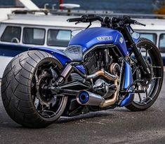 #harley davidson street glide #harleydavidsonstreettracker #harleydavidsonstreetbob #harleydavidsonstreetcustom #harleydavidsonstreetrod #harleydavidsonstreet750 Bobber Motorcycle, Moto Bike, Cool Motorcycles, Motorcycle Garage, Vrod Harley, Harley Bikes, Motos Harley Davidson, Harley Davidson Street, Custom Street Bikes