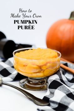How to Make Your Own Pumpkin Purée // homemade pumpkin puree // pumpkin puree for baby // pumpkin puree ingredients Healthy Dishes, Easy Healthy Recipes, Real Food Recipes, Vegetarian Recipes, Healthy Food, Amazing Recipes, Great Recipes, Favorite Recipes, Homemade Pumpkin Puree