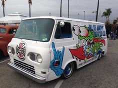 Indy and Santa Cruz inspired van. Jim Phillips art