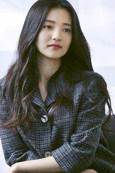 Korean Actresses, Korean Actors, Korean Celebrities, Celebs, Casual Office Attire, Kim Sohyun, Korean Star, Japan Girl, Girl Face