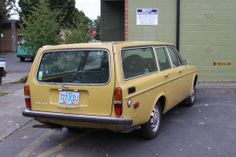 Butter yellow Volvo wagon(: