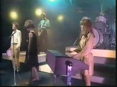rare Give Me Back My Man video. Cindy Wilson is adorable here. Kate Pierson, Ricky Wilson, B 52s, New Wave, Rare Videos, Alternative Music, Film Books, Songs To Sing, Post Punk