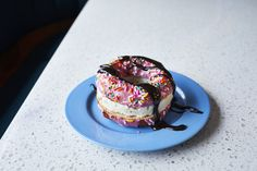 Chill out with the coolest ice cream treats, including Cotton Candy Burritos in L. and Donut Ice Cream Sandwiches in Nashville. Donut Ice Cream, Cinnamon Ice Cream, Coffee Ice Cream, Ice Cream Treats, Heath Bar Cookies, Coffee Shop Business Plan, Miele Coffee Machine, Cheap Coffee Mugs