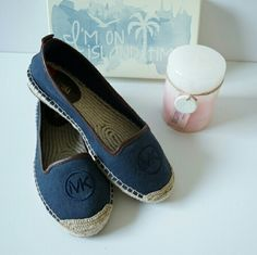 MICHAEL KORS: Blue Jean flats! Perfect vacation shoes for a casual weekend getaway!size 6 USA NWT never worn Michael Kors Shoes Flats & Loafers
