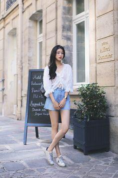 daily 2018 feminine & classy look Basic Style, How To Look Classy, Stylish Girl, Bellisima, Denim Skirt, Korean Fashion, Fashion Online, Fashion Basics, Cute Outfits