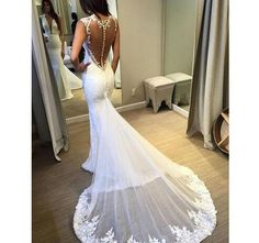 2018 Elegant Mermaid Wedding Dress Plunging Neck Sleeveless Lace Appliques Embroidery Sheer Back Attached Train Sexy Bridal Gowns