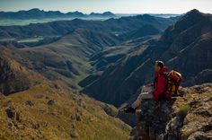 Rim of Africa: 15 awe-inspiring facts about SA's longest mountain hiking trail Mountain Trails, Mountain Hiking, Best Hikes, Packing Tips For Travel, Africa Travel, Hiking Trails, Travel Destinations, Skyline, World