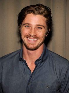 Garret hedlund :) that smile!!!