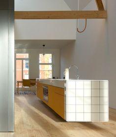 Islas de Cocina con Azulejos Interior Exterior, Kitchen Island, Instagram, Home Decor, Rustic Style, Kitchen Furniture, Kitchen Design, Leaving Home, Kitchen Islands