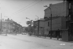 1986 r. plac Bychawski,  po prawej nie istniejące już kino Robotnik