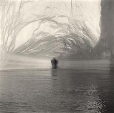 Lynn Davis, Icebergs (Exhibition in Galerie Edwynn Houk, Zurich, February 2 - May 19, 2012) / source: http://www.houkgallery.com/exhibitions/2012-02-02_lynn-davis/all/#