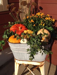 Impressive Outdoor Fall Decoration Ideas 35
