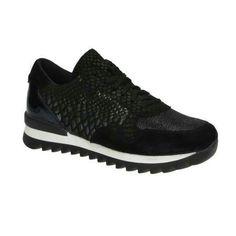100 euro. http://www.fashionchick.nl/p/poelman-r12251-zwarte-lage-sneakers/26332593/