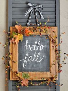 44 Easy and Practical DIY Fall Decor Ideas. To create a fantastic fall decoration you will need a brilliant idea and some unusual elements. If you wish to save a few of these fabulous DIY fall decor i. Diy Fall Wreath, Autumn Wreaths, Fall Diy, Wreath Ideas, Fall Chalkboard, Framed Chalkboard, Chalkboard Ideas, Fall Door Decorations, Thanksgiving Decorations
