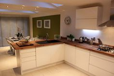 Our fabulous European walnut takes a well-deserved turn in the spotlight as part of a Channel 5 home-makeover show.  http://www.worktop-express.co.uk/wood_worktops/walnut_worktops.html http://www.worktop-express.co.uk/blog/?p=935