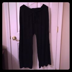 Cato Wide Leg Tie Waist Pant Black 18/20 Cato Wide Leg Tie Waist Pant Black 18/20. These run a little small imo. Probably more like a 16/18. The elastic on the waist is flipping in some spots or folding over. Unstretched, lying flat, these measure 16 inches across the waist and have a 28 inch inseam. Would fit a petite in my opinion. VGUC, the big flaw is the elastic flipping. Cute, comfy pants! Cato Pants Wide Leg