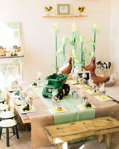 John Deere Tractor Party Table