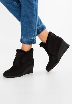07dbe9a2a3fc JEOVANA - Ankle boots - black   Zalando.co.uk 🛒. UGG JEOVANA - Wedge ...
