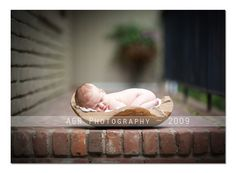 shooting newborns w/ natural light.  Great post w/ tons of examples and descriptions of how the baby was positioned in relation to the light