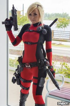 Rule 63 Deadpool Cosplay by Jessica Nigri Female Deadpool Costume, Deadpool Outfit, Deadpool Cosplay Costume, Lady Deadpool, Marvel Cosplay, Deadpool Halloween, Anime Cosplay, Marvel Costumes, Sexy Poses
