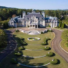Big Mansions, Mansions For Sale, Mansions Homes, Atlanta Mansions, French Mansion, Modern Mansion, Italian Mansion, Big Beautiful Houses, Beautiful Homes