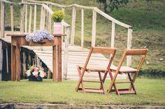 Foto por Union Imagens ❤ Aline & Fagner em Guarapari/ES.  Decoração de casamento rústica na ilha do sítio, onde aconteceu a cerimônia. | Rustic wedding