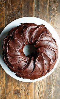 Chocolate Root Beer Float Bundt Cake