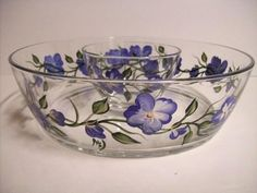 Hand painted chip and dip set-blue floral-serving set by on Etsy Chip And Dip Sets, Chip And Dip Bowl, Bottle Painting, Diy Painting, My Glass, Glass Art, Glass Bottles, Perfume Bottles, Painted Glass Vases