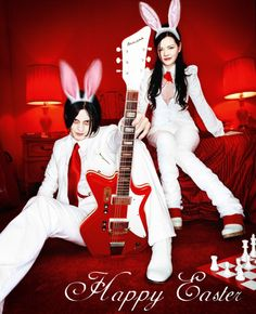Jack meg white of the white stripes with the infamous red airplane plastic guitar from montgomery wards (: Music Love, Music Is Life, Rock Music, My Music, The White Stripes, Heavy Metal, Pop Rock, Rock N Roll, Zona Musical