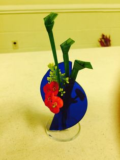 New Garden Club Journal: Delicate Diversions - miniature designs  3  floral design    flower arrangement