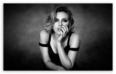 Scarlett Johansson Black And White wallpaper