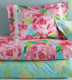 must have! Perfect for a guest bedroom or girls room!!