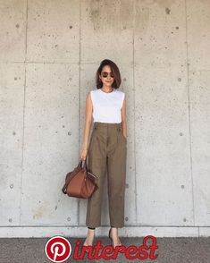 90 Sophisticated Work Attire and Office Outfits for Women to Look Stylish and Chic - Lifestyle State Minimalist Fashion Women, Minimal Fashion, Work Fashion, Fashion Ideas, Fashion Quiz, Minimalist Chic, 2000s Fashion, Fashion Quotes, Fashion Trends