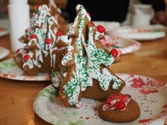 How to Make Gingerbread Christmas Trees