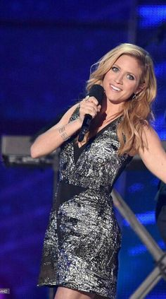 Brittany Snow hosting CMT awards