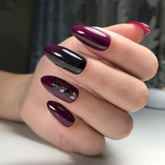 Almond nail art designs for girls on the go, trendy bright colors and warm colors for every woman, we sorted beautiful design that you can Red Stiletto Nails, Red Manicure, Red Acrylic Nails, Red Nails, Hair And Nails, Matte Nails, Fall Nails, Acrylic Art, Glitter Nails