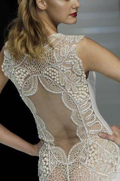Valentino at Paris Fashion Week Spring 2006 -