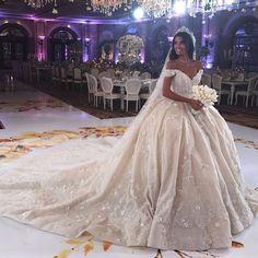 Dora Sarpong - Hochzeitsfrisuren - Dresses for Wedding Princess Wedding Dresses, Dream Wedding Dresses, Bridal Dresses, Bridesmaid Dresses, Beautiful Bride, Beautiful Dresses, Vestido Charro, Arab Wedding, Wedding Looks