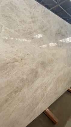 Quartz Bathroom Countertops, Quartzite Countertops, Kitchen Countertop Materials, White Quartz Countertops, Polished Concrete Countertops, Granite Flooring, White Granite, Kitchen Redo, Kitchen Living