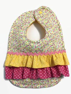 Trendy Baby Girl Things To Make Children Crochet Baby Cocoon, Baby Blanket Crochet, Toddler Bibs, Baby Bibs, Outdoor Baby Photography, Boy Nursery Colors, Dribble Bibs, Crochet Girls, Heart For Kids