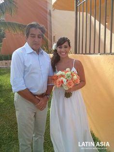 #coral #orange and  #white #bridal #bouquet @weddingcancun