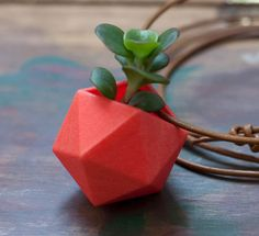 Wear a mini 3D-printed container garden as a necklace via @CNET