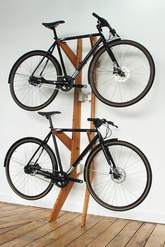 90 Awesome Ideas to Make Hanging Bike Rack and Storage - Rockindeco 90 Brilliant Ideas to Make Hanging Bike Storage 70 Bike Storage Options, Bike Storage Design, Bike Storage Rack, Bike Design, Storage Ideas, Garage Design, Hanging Bike Rack, Bike Hanger, Bicycle Rack