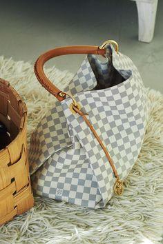 LV Santa please #fashion #handbag #women's handbag Clothing, Shoes & Jewelry : Women : Handbags & Wallets : Women's Handbags & Wallets http://amzn.to/2kkfnGv